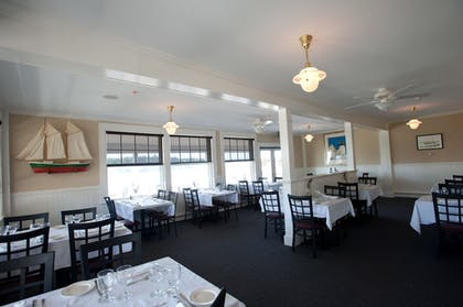 Dining | East Wind Inn