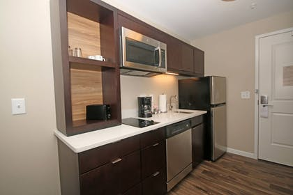 Room | TownePlace Suites by Marriott Charleston-North Charleston