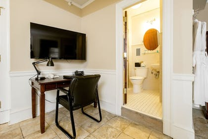 In-Room Business Center | Hotel 340