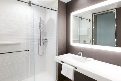Bathroom | AC Hotel by Marriott Miami Airport West/Doral