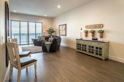 Living Area | Seagate: Starboard~coos Bay~premiere Property