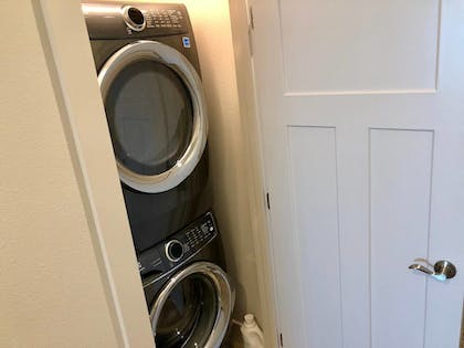 Laundry Room | Seagate: Starboard~coos Bay~premiere Property