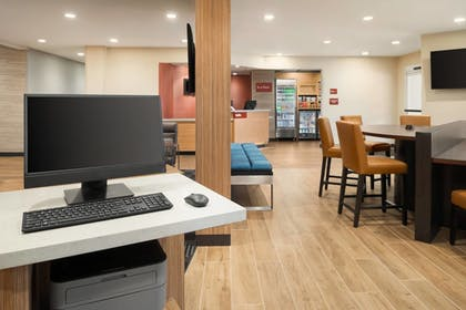 Business Center | TownePlace Suites by Marriott Dubuque Downtown