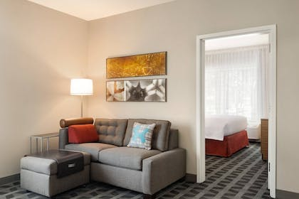 Guestroom | TownePlace Suites by Marriott Dubuque Downtown