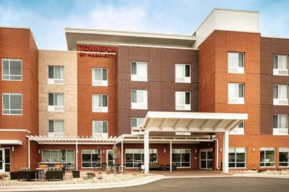 Exterior | TownePlace Suites by Marriott Dubuque Downtown