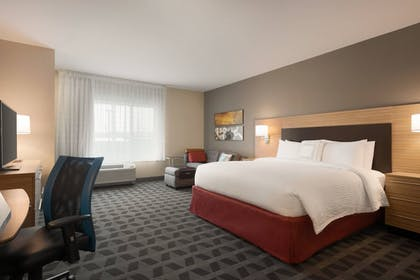 Room | TownePlace Suites by Marriott Dubuque Downtown