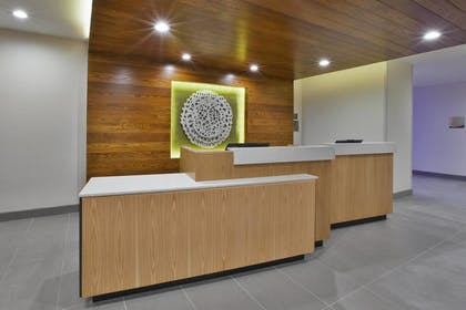 Lobby | Fairfield Inn & Suites by Marriott Flint Grand Blanc