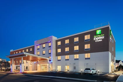 Featured Image | Holiday Inn Express & Suites Medford