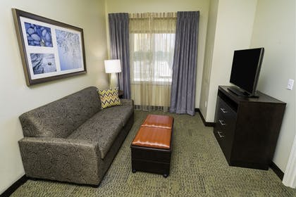 Room | Staybridge Suites Newark - Fremont