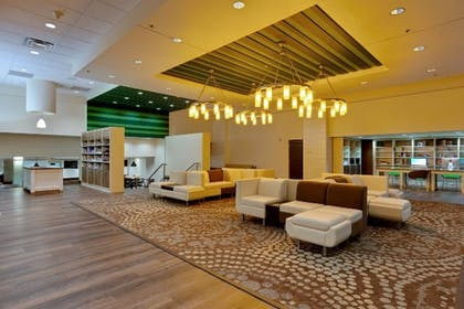 Lobby Sitting Area | Holiday Inn Poughkeepsie