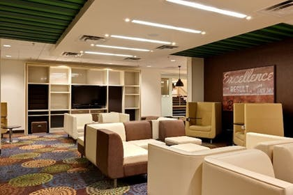 Lobby | Holiday Inn Poughkeepsie