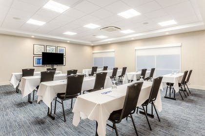 Banquet Hall | Holiday Inn Express & Suites Springfield North