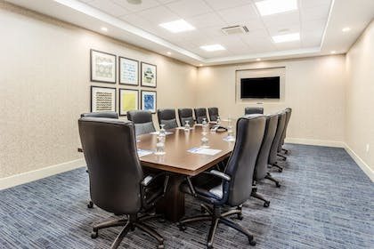 Meeting Facility | Holiday Inn Express & Suites Springfield North