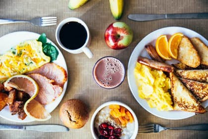 Breakfast Meal | Holiday Inn Express & Suites Springfield North