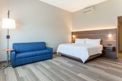 Room | Holiday Inn Express & Suites Springfield North