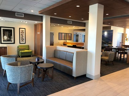 Lobby | Holiday Inn Express & Suites Springfield North