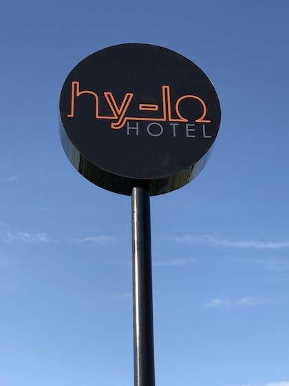 Front of Property | Hy-Lo Hotel