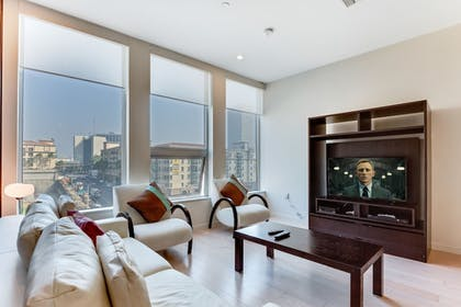 Television | 1010 WILSHIRE SERVICED APTS
