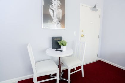Guestroom | The Hotel Hollywood