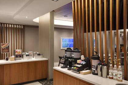 Restaurant | SpringHill Suites by Marriott Hampton Portsmouth