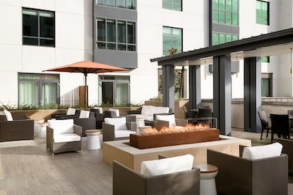 Terrace/Patio | Hyatt Place Pasadena