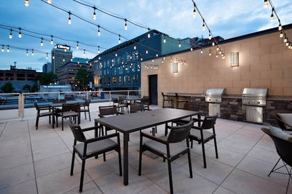 BBQ/Picnic Area | Residence Inn by Marriott Knoxville Downtown