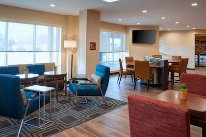 Lobby | TownePlace Suites by Marriott Grand Rapids Airport
