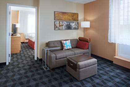 Room | TownePlace Suites by Marriott Grand Rapids Airport