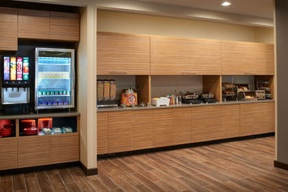 Breakfast Area | TownePlace Suites by Marriott Grand Rapids Airport