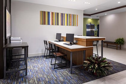 Business Center | Holiday Inn Express & Suites Madison