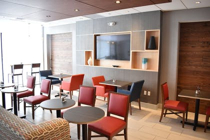 Dining | Holiday Inn Express And Suites Boston South - Randolph