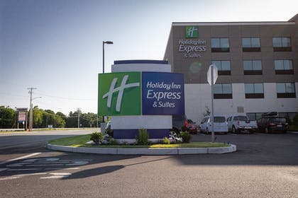 Exterior | Holiday Inn Express And Suites Boston South - Randolph