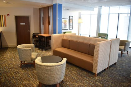 Lobby | Holiday Inn Express And Suites Boston South - Randolph