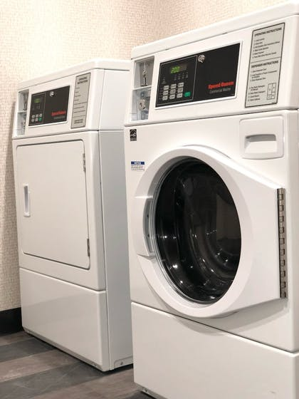 Laundry Room | Holiday Inn & Suites Orlando - International Dr S