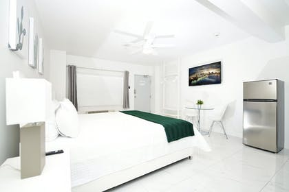 Guestroom | The Getty Suites