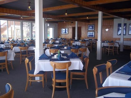Restaurant | Buzz's Lakeside Inn