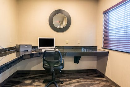 Business Center | Cobblestone Hotel and Suites Torrington