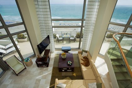 Guestroom | Loews Miami South Beach
