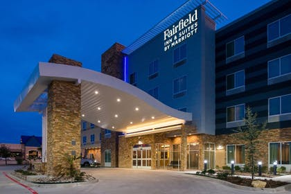 Exterior | Fairfield Inn & Suites by Marriott Fort Worth Southwest at Cityview