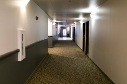Hallway | Seaport Inn and Suites