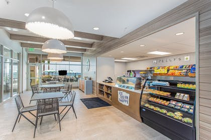 Cafe | SpringHill Suites by Marriott Panama City Beach Beachfront