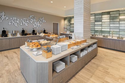 Breakfast Area | SpringHill Suites by Marriott Panama City Beach Beachfront