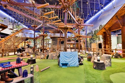 Mini-Golf | Great Wolf Lodge Arizona