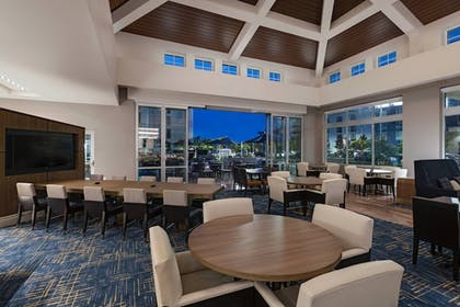 Restaurant | TownePlace Suites by Marriott San Diego Airport/Liberty Station