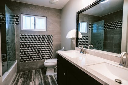 Bathroom | 5615 Properties