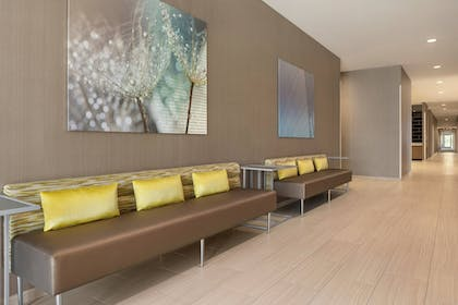 Meeting Facility | SpringHill Suites by Marriott Milwaukee West/Wauwatosa