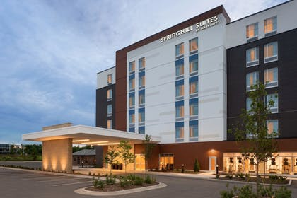 Front of Property - Evening/Night | SpringHill Suites by Marriott Milwaukee West/Wauwatosa