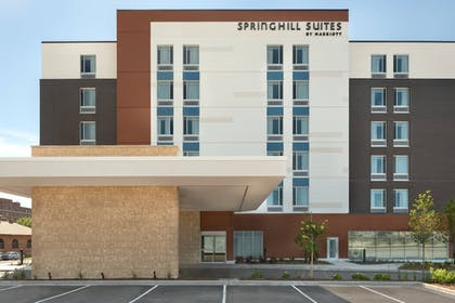 Exterior | SpringHill Suites by Marriott Milwaukee West/Wauwatosa