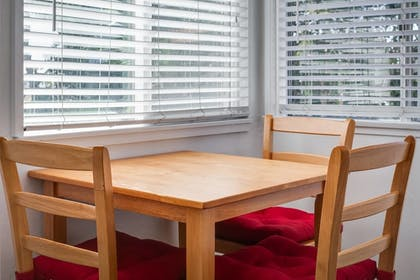 In-Room Dining | Sunset Retreat 1 Bd Condo Walk to Beach!