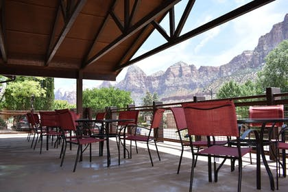 Restaurant | Zion Canyon Lodge
